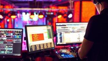 dj_mixes_track_nightclub_party