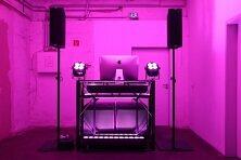 DJ Torberg Aufbau pink